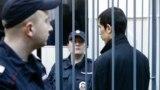 Аброр Азимов во время заседания суда. Апрель 2017-го