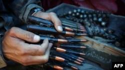 """Боец курдского ополчения """"пешмерга"""" на севере Ирака"""