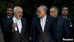 Глава МИД Ирана Джавад Зариф и другие члены делегации после переговоров в Лозанне, март 2015 года