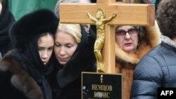 Похороны Бориса Немцова на Троекуровском кладбище в Москве