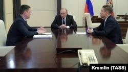 """Путин на встрече с главой """"Газпрома"""" Миллером и министром энергетики Александром Новаком"""