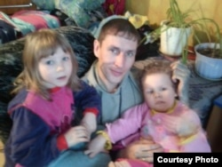 Вячеслав Абдуллин со своими детьми