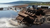 Russia, The Raftsmen Of Siberia Move Timber The Old-Fashioned Way screen grab