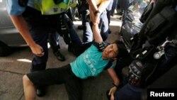 Полиция задержала участников протеста в Гонконге накануне торжеств 1 июля