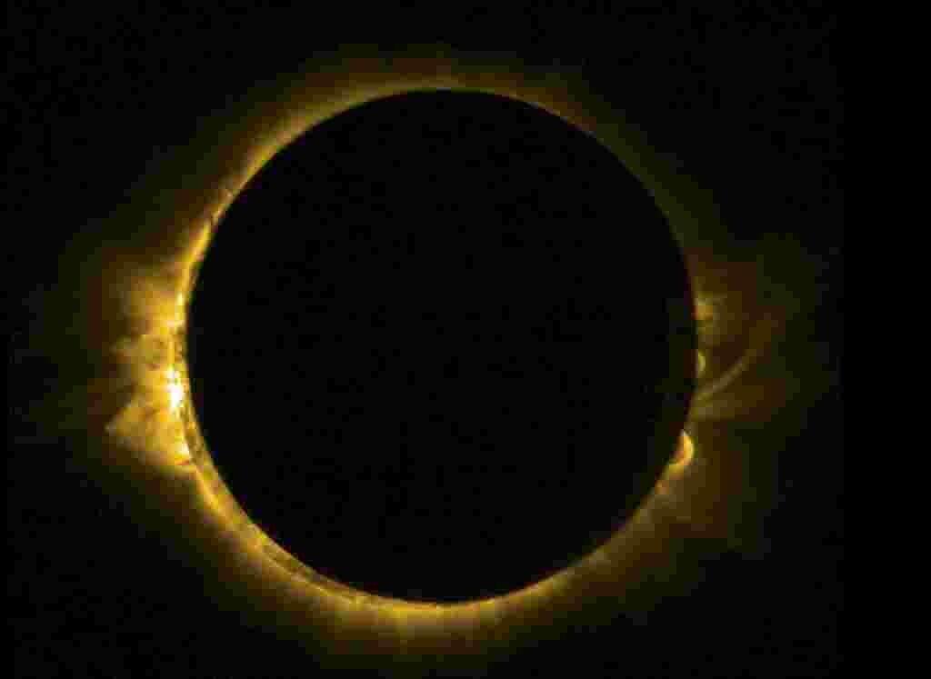 Cкриншот полного солнечного затмения из видео Европейского космического агентства (ESA). 20 марта 2015