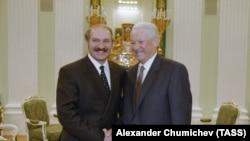 Президент России Борис Ельцин во время встречи с президентом Беларуси Александром Лукашенко в Кремле. 7 марта 1997 года