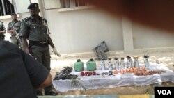 Нигерийский полицейский. Архив