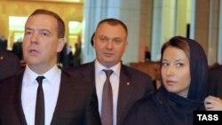 Медведев и Наталья Тимакова