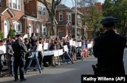 Протесты в Нью-Йорке против пребывания Палия в США