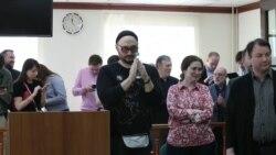 Режиссера Кирилла Серебренникова освободили под подписку о невыезде