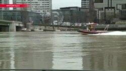 Пик наводнения в Париже: вода в Сене поднялась почти на шесть метров