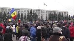 Десятки тысяч людей протестовали в Молдове