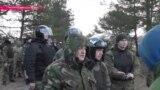 Бронетехника против полиции: как в Украине разворачивается Западный фронт