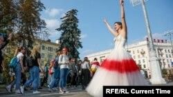 Инна Зайцева на акции протеста. Фото TUT.BY