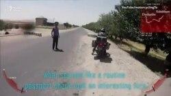 Таджикские полицейские требуют от румынских байкеров взятку якобы за превышение скорости