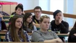 """""""Ложь №8"""": как чешских студентов учат вычислять кремлевскую пропаганду"""
