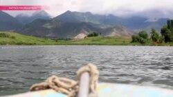 Экс-чиновник правительства Кыргызстана бросил карьеру и начал разводить рыбу в родной деревне