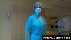 Наталья работает в коронавирусном отделении больницы в Даугавпилсе – втором по величине городе в Латвии