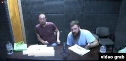 Иван Близнюк и Александр Чикало слушают показания Шонингера из тюрьмы Маркос-Пас, где находятся с марта 2018 года