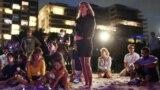 Америка: поиск погибших в Майами и опасная жара на западе США