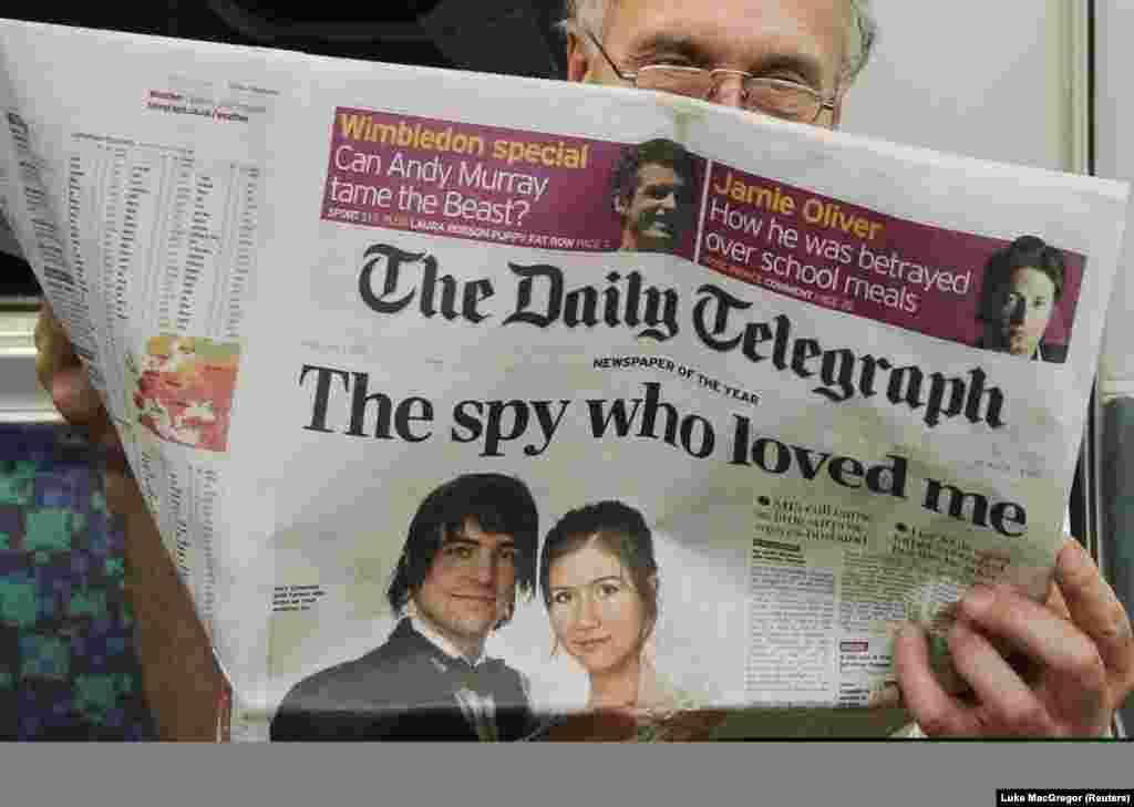 Выпуск британской газеты Daily Telegraph с интервью бывшего мужа Анны Чапман