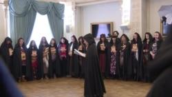 """Российские ведьмы провели """"круг силы"""" в поддержку президента и России"""