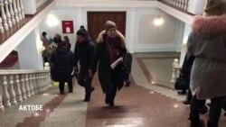 """""""Пусть сделают пособия такими, чтобы можно было прожить"""": в Казахстане продолжаются протесты матерей"""