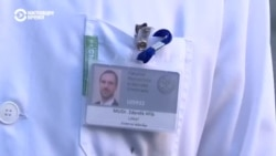 Мэр Праги работает волонтером в коронавирусной больнице