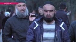 В Таджикистане милиция насильно бреет мужчинам бороды