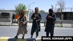 "Представители ""Талибана"" на улицах Кабула, 16 августа 2021 года"