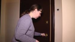 Многодетная семья подаст в суд на управляющую компанию из-за отключения электричества за долги