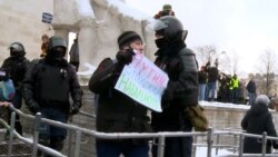 Detained Russian Protester Uses Current Time Video To Win Legal Battle