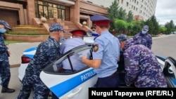 Задержание Асхата Ахмедьярова. Нур-Султан, 13 июля 2021 года