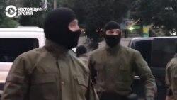 Силовики в балаклавах жестко задерживают женщин в Минске 8 сентября