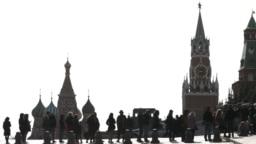 Кто из политиков вынужден был покинуть Россию