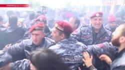 """10 дней """"Бархатной революции в Армении"""": как это было"""