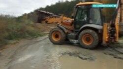 Жильцы энергоэффективного района в Екатеринбурге сами скидываются на ремонт дороги