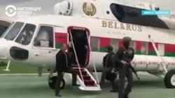 Александр Лукашенко отреагировал на мирную акцию протеста, взяв в руки автомат
