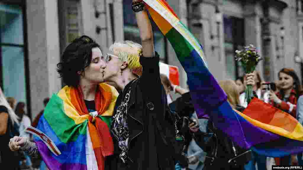 Квир-колонна присоединилась к Женскому маршу, 5 сентября, Минск.