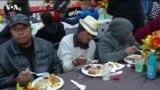 """""""Мой дом - улица"""": в Лос-Анджелесе кормят бездомных в День благодарения"""